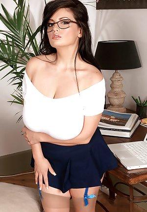 Secretary Boobs Pics