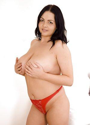 Big Boobs Girls Pics