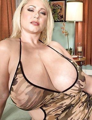 Mature Big Boobs Pics